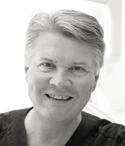 Johan A Boström - Specialisttandläkare Endodonti (rotbehandlingar) Smile Stockholm SDIC