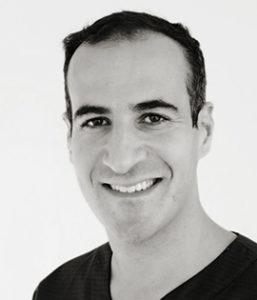 Nikolas Tsiopa är tandregleringsspecialist vid Smile Malmö Södervärn